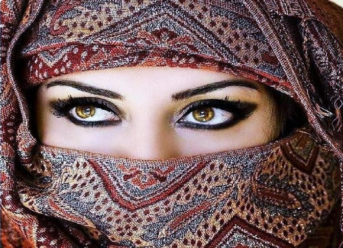 eyes feature